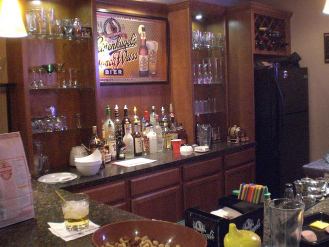 The Amazing Guide to Setting Up a Home Bar