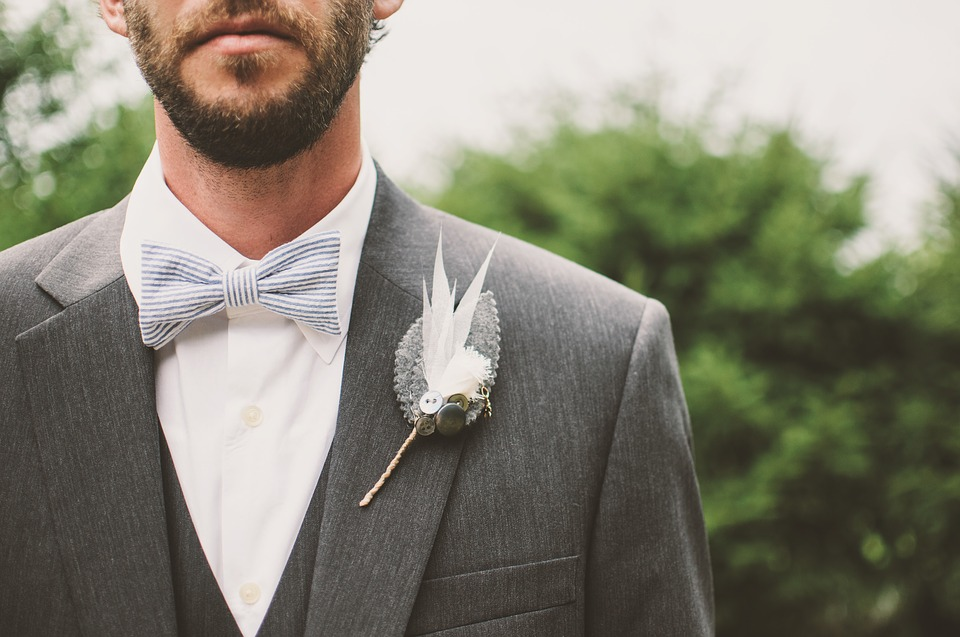 5 Reasons Self-Tied Bow Ties Beat Pre-Tied Bow Ties
