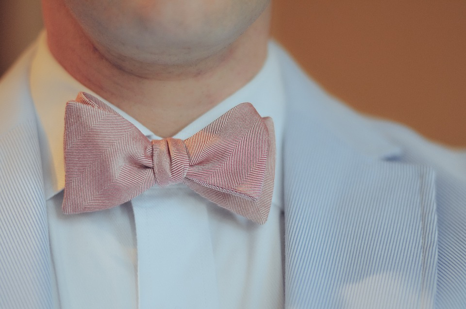 White, Blue, and Pink: How to Match Tie to Shirt Colour